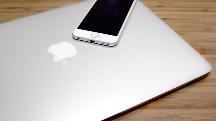 Apple Devices - Macbook and iPhone