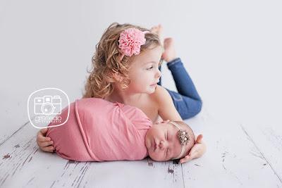 Fotografía especializada en recién nacidos Zaragoza con luz natural