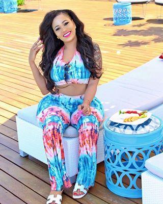 Vera Sidika Sitting
