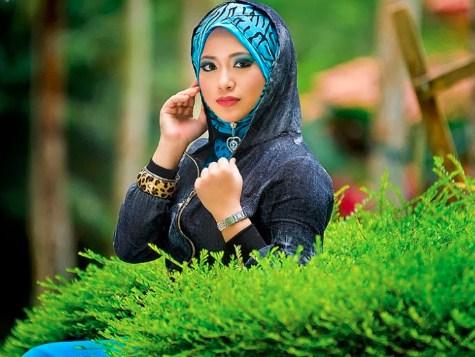 """""""artis indonesia yang menggunakan hijab"""""""