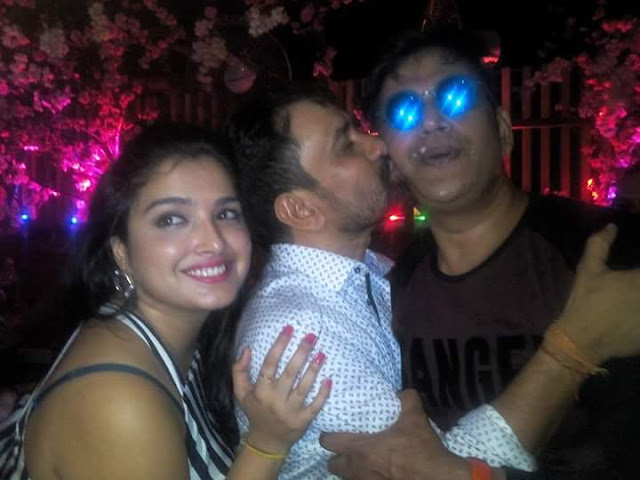 Dinesh Lal Yadav and Amrapali Dubey At the Ravi Kishan Birthday Party