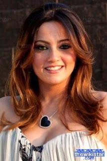 قصة حياة بشرى (Boshra)، ممثلة ومغنية مصرية، ولدت في 5 أكتوبر 1976 في إنجلترا.