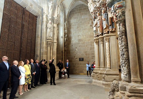 Queen Sofia of Spain inaugurated the conservation and restoration project of the arcade of Santiago's Cathedral in Santiago de Compostela
