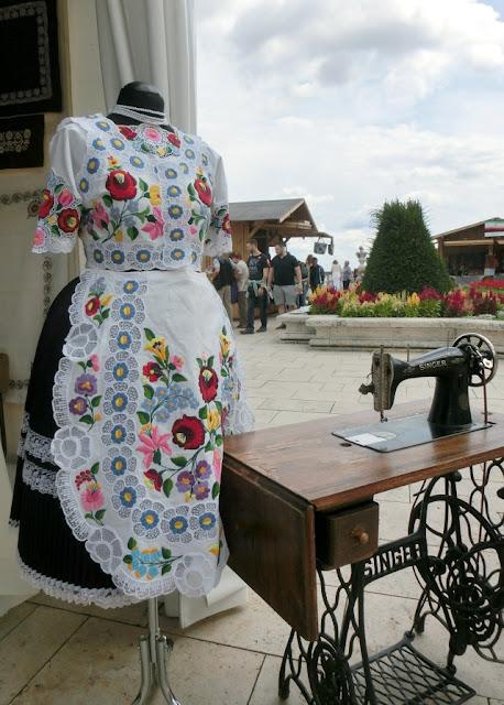 калочайская вышивка, калочаи, венгерская вышивка, вышивка матьо, калочаи, фестиваль в Будапеште
