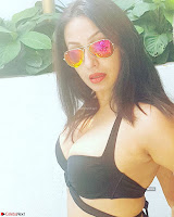 Kashmeera Shah in Bikini Selfies ~  Exclusive 007.jpg