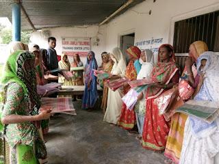 eid-gift-distributed-madhubani