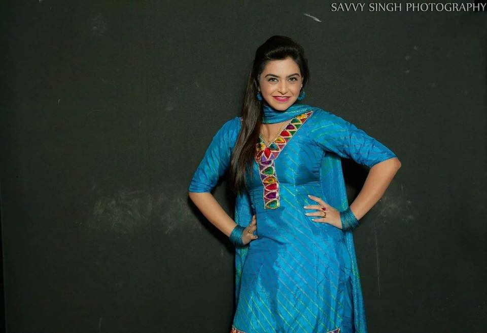 nisha bano punjabi actress hd wallpaper beautiful picture