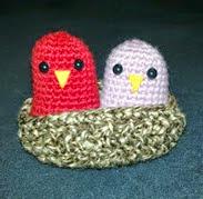 http://translate.googleusercontent.com/translate_c?depth=1&hl=es&rurl=translate.google.es&sl=en&tl=es&u=http://makelittlethings.blogspot.com.es/2011/02/nesting-love-birds.html&usg=ALkJrhiX5FG4xt0q99VBBUlfZHGskhveDw