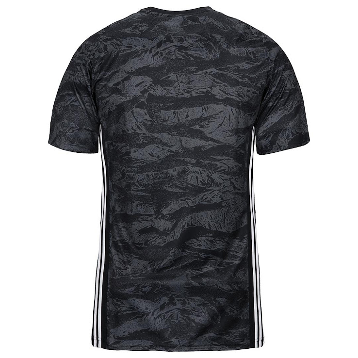 new arrivals 1a7d1 b2407 Juventus 19-20 Goalkeeper Kit Released - Footy Headlines
