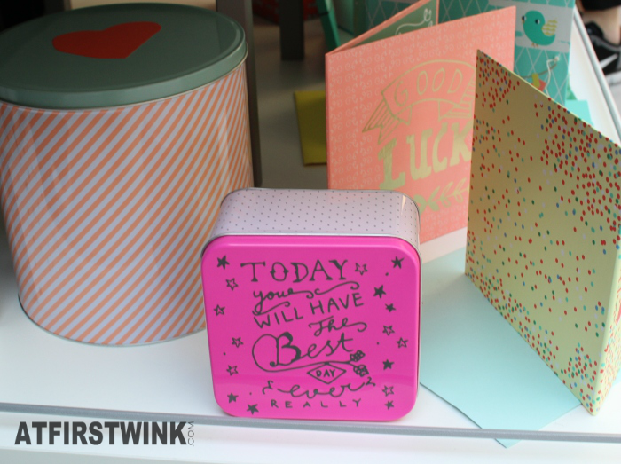 HEMA cylindrical tin with diagonal stripes heart lid and pink square tin