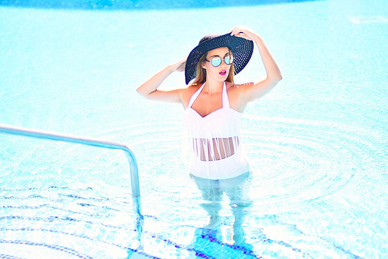 nery hdez, bikini look, swimwear, jimmy choo , primark, fringes bikini
