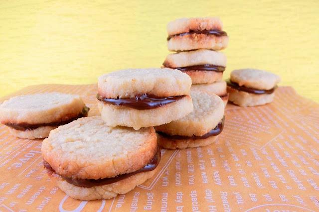 トースターで10分!卵不要のアーモンドクッキー