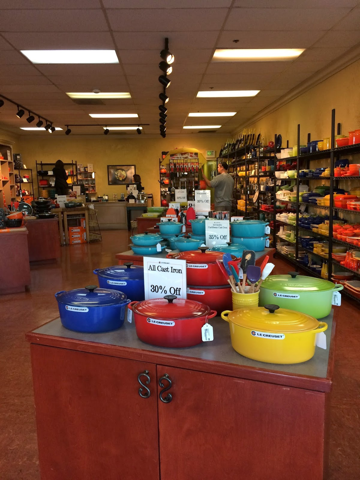 I Decided To Invest In A Le Creuset The Price Tag Lot Over 300 00 Wherever You Look Fortunately We Have Outlet