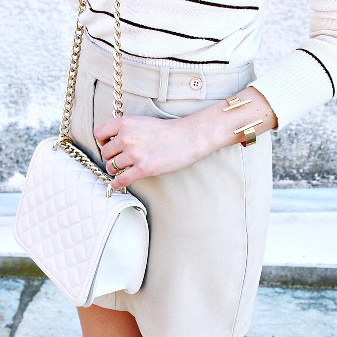Jelena Zivanovic Instagram @lelazivanovic.Zara chain white purse.