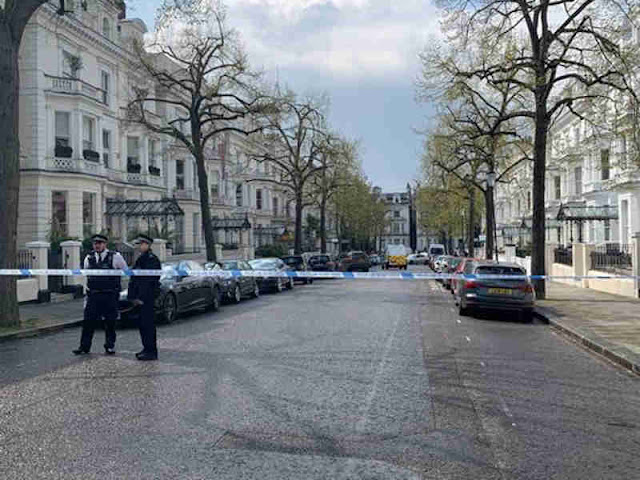 Polisi Amankan Pengemudi Mobil yang Melaju Kencang ke Kedubes Ukraina di London
