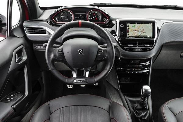 Interior Peugeot 208 GT 2016