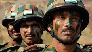 أصابة خمسة من قوات الأمن الهندية في تبادل لإطلاق النار مع مسلحين في كشمير