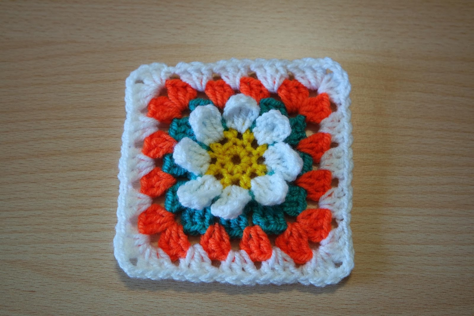 Crochet Flower Pattern Blanket : Free crochet patterns and video tutorials: Crochet pattern ...