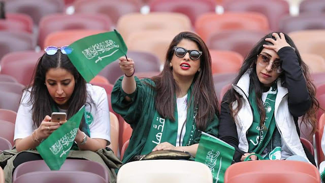 صور مشجعات السعودية 2018 , مشجعات سعوديات في المدرجات