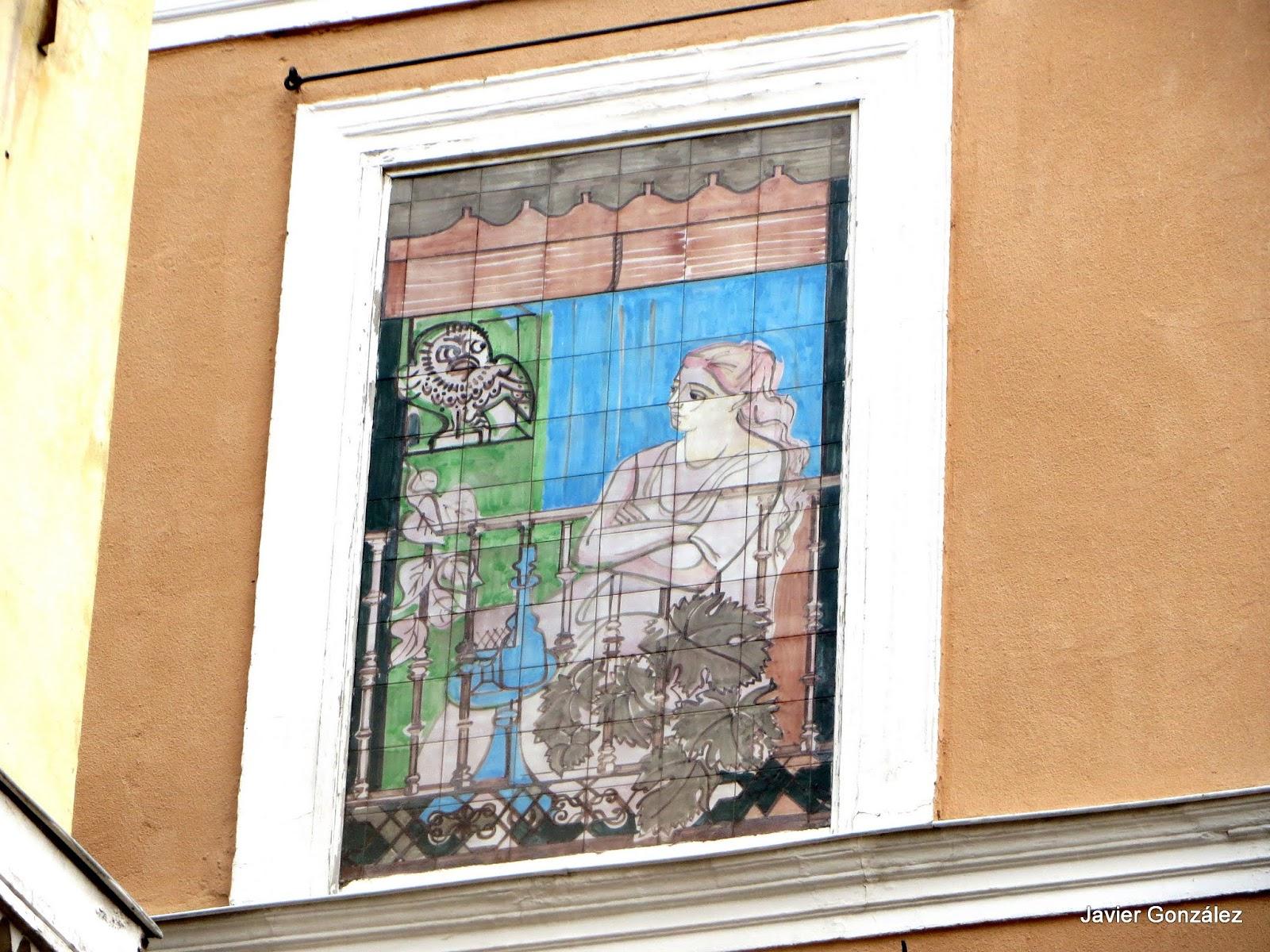 Cuadros en azulejos de Picasso. Lavapiés. Madrid #cityscapes