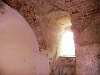 Клевань. Замок Чарторийських. Віконний проріз