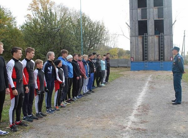 (ФОТО)Сборная команда Сухого Лога заняла первое место в группе «Б» на кустовых соревнованиях по пожарно-прикладному спорту