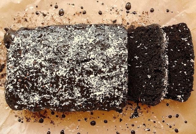 Czekoladowe ciasto z cukinią / Chocolate Zucchini Bread