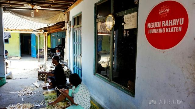 Sriyono; Pengrajin Kerangka Payung Lukis Ngudi Rahayu Juwiring Klaten
