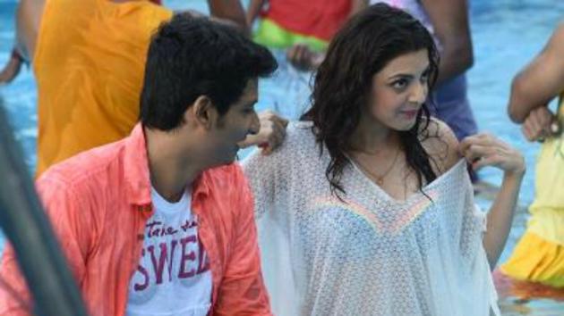 'Kavalai Vendam' tamil movie Working Stills