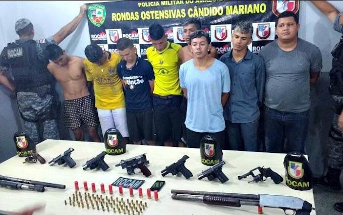 Integrantes de facção criminosa são presos com armas, granada e colete, em Manaus