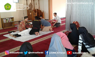 LEDMA Al-Farabi Bekali Jamaah Pelatihan Merawat Jenazah