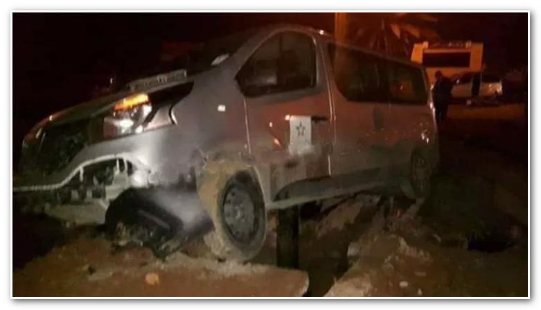 طاقم صحافي لـ Snrt يتعرض لحادثة سير خطيرة بالحسيمة (صور)