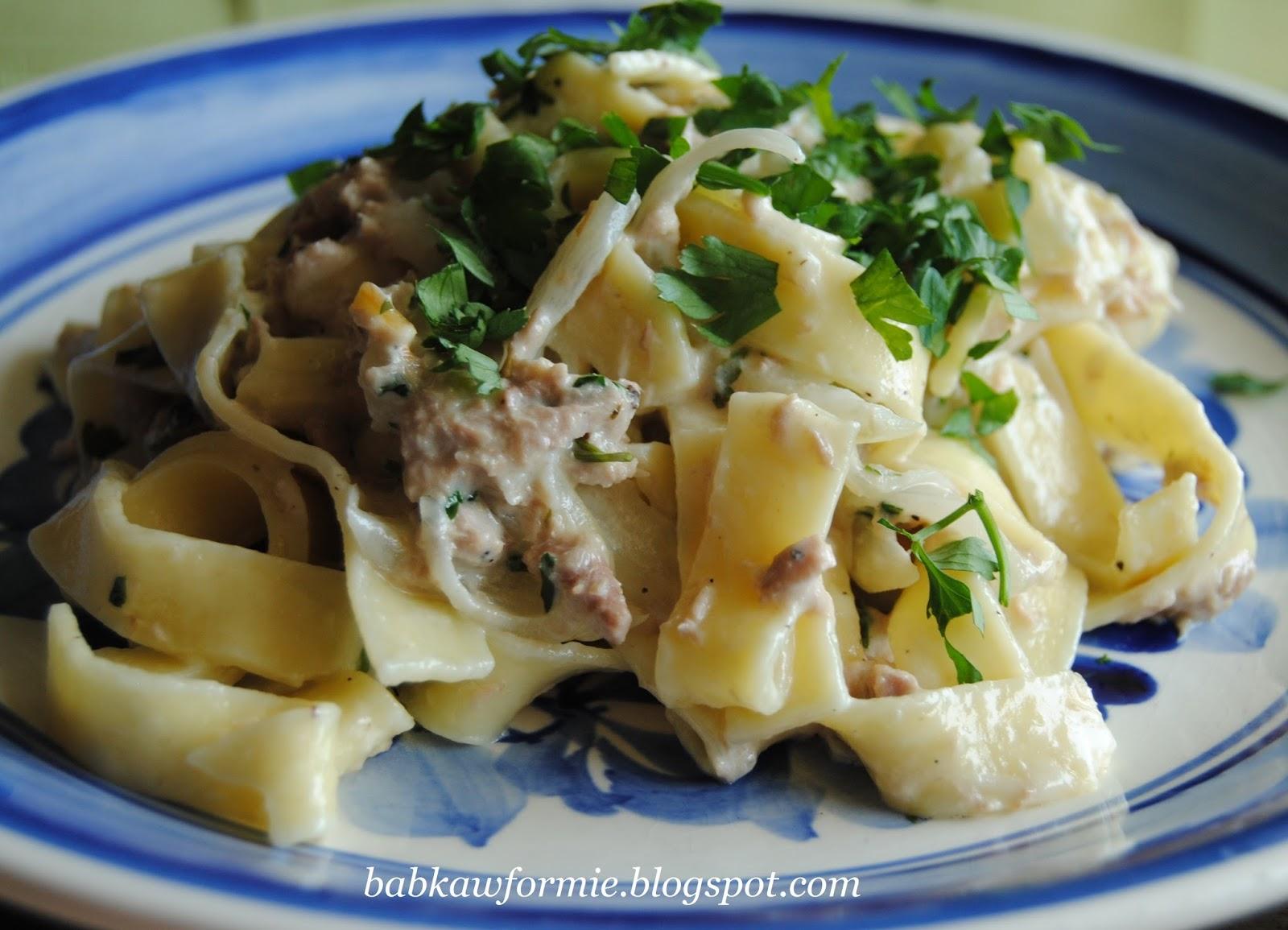 makaron wstęgi pappardelle z tuńczykiem w sosie śmietanowym babkawformie.blogspot.com