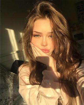 selfie tumblr con sol en casa