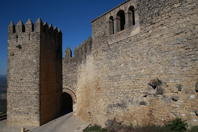 Puerta de los Santos o Barbacana de Sabiote en Jaén, Andalucía (España)