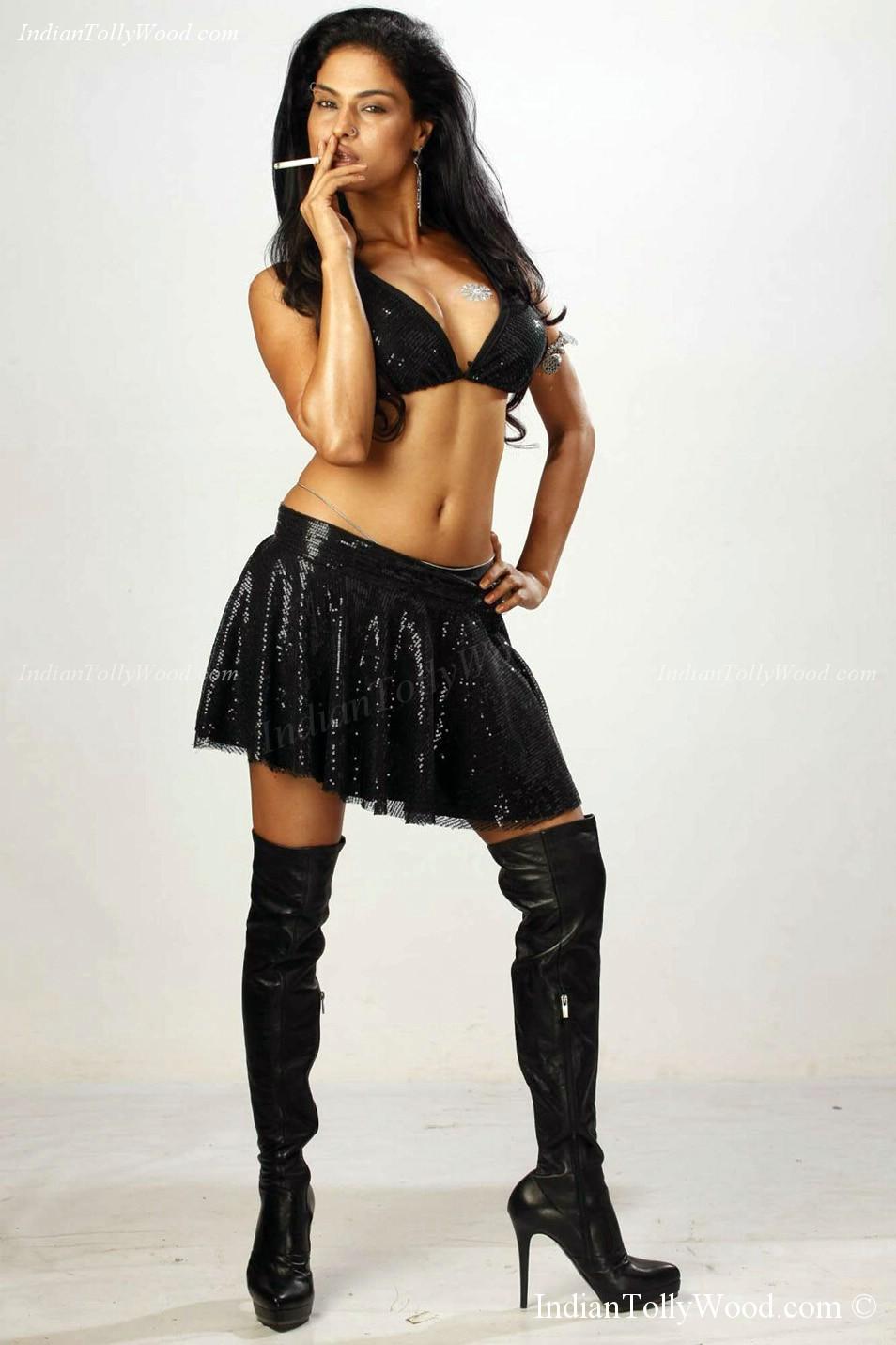Veena Malik Hot Photos  Songs By Lyrics-8402