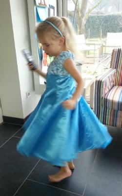 Jarige prinses met elodie zwier jurk