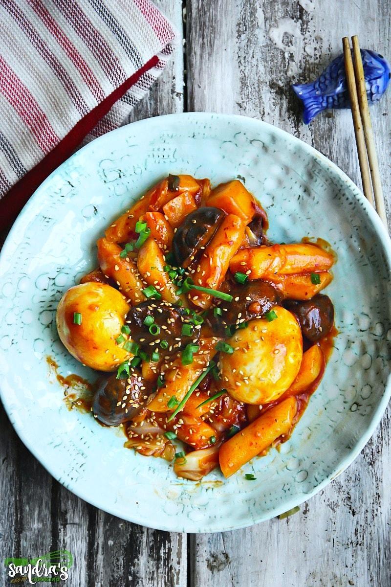 Korean Spicy Rice Cakes -Tteokbokki (떡볶이)