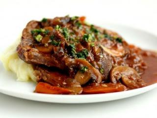 http://ilparadisoperduto.com/osso-bucco-al-horno-con-salsa-de-tomate/