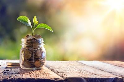 Ένας απλός τρόπος για να αποταμιεύσετε 1.456 ευρώ μέχρι το τέλος της χρονιάς