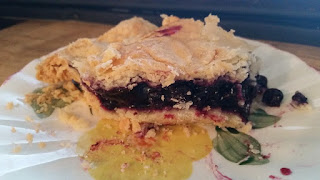 Petee's Wild Blueberry Pie Review