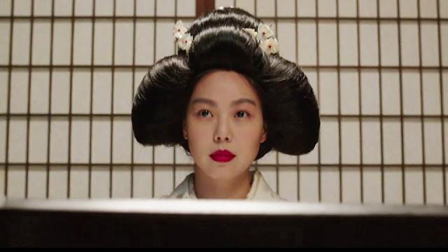 Hideko (Kim Min-Hee) en habit traditionnel dans Mademoiselle