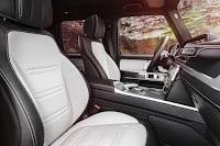 Mercedes-Benz G-Class (2018) Front Seats