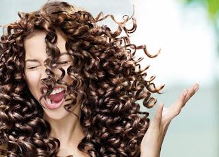 Masque capillaire à l'argile pour soigner les cheveux crépus
