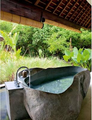 desain kamar mandi canti dengan konsep alami