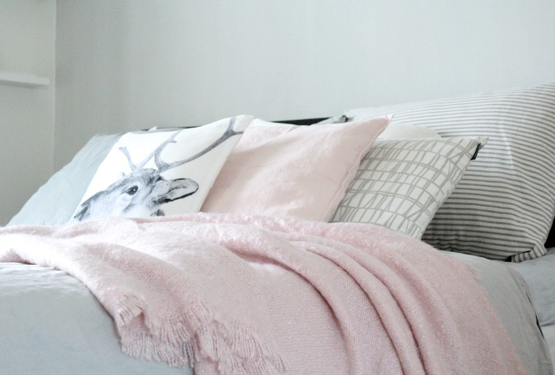 pale pink and grey in the bedroom