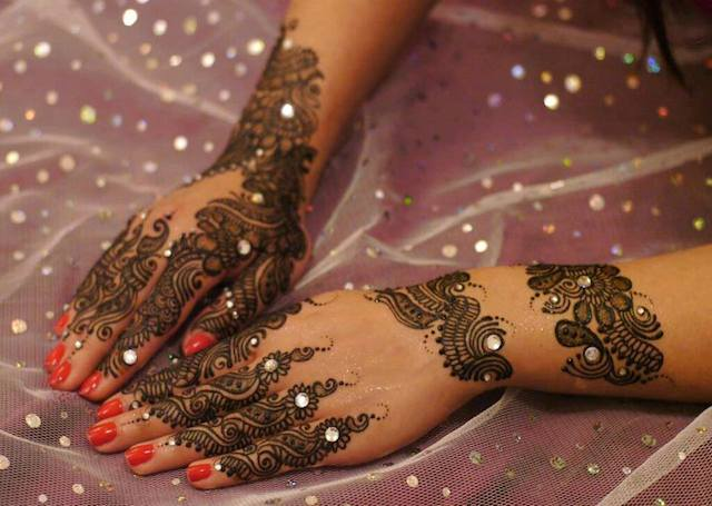 glitter mehndi designs arabic