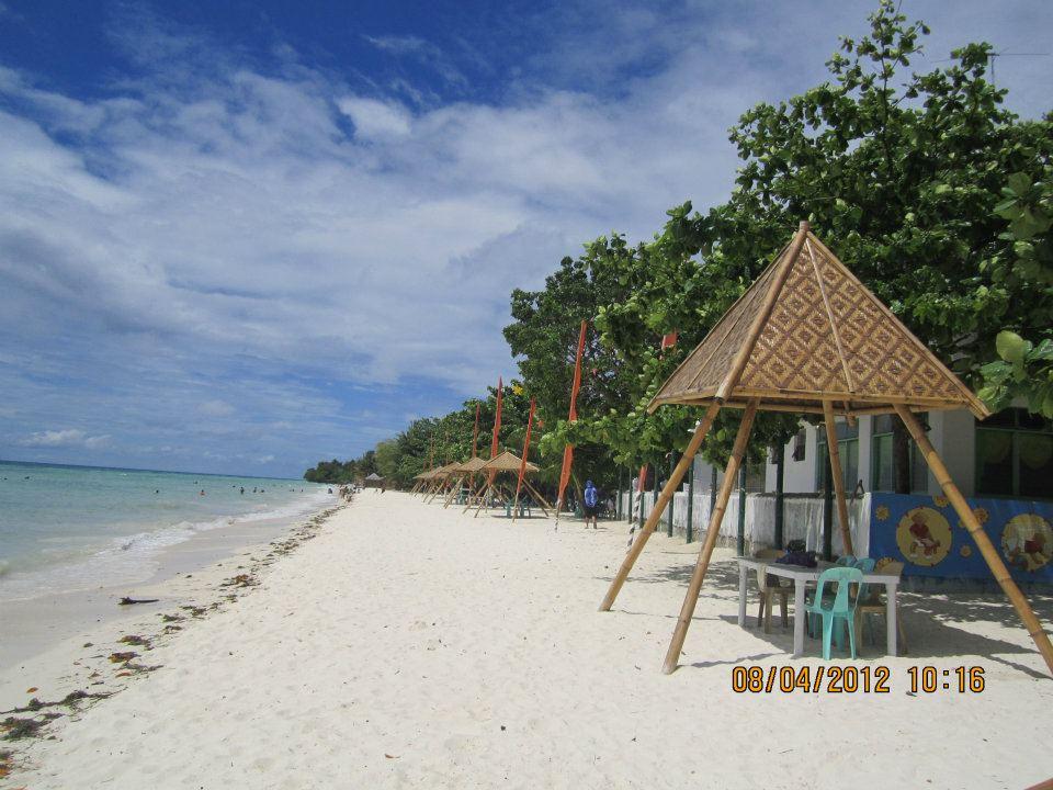 Laaglaag Anda Public Beach Resort