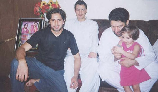 Pakistani Cricketer Shahid Afridi Family And Personal