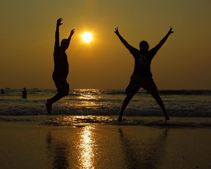 Wanderlust: Sunset People At Govalkot Beach